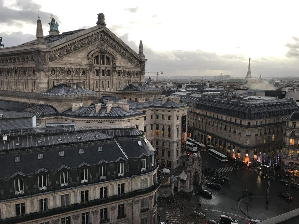 Vistas de la Opera y la Torre Eiffel