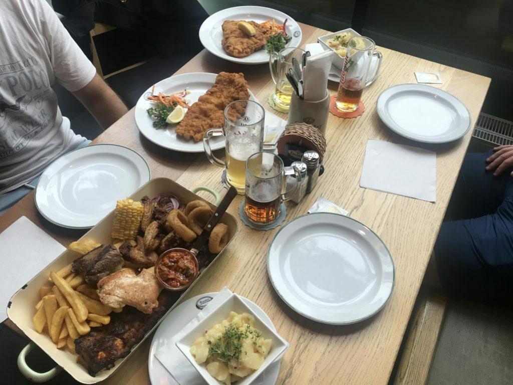 Comida en Brandauer Bierbögen