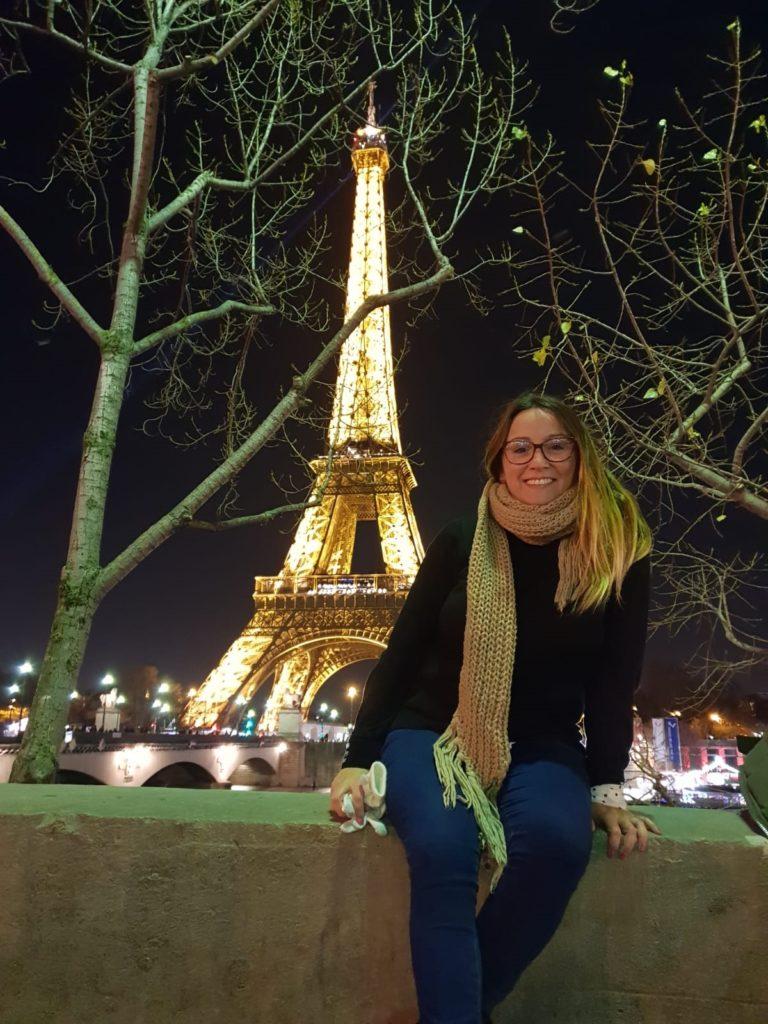 Foto con la Torre Eiffel de fondo
