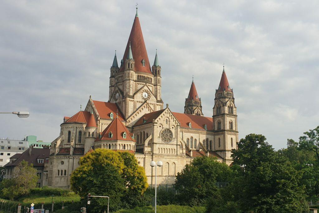 Iglesia de San Francisco de Asis en Viena