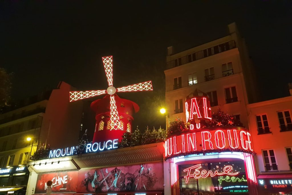 cabaret moulin rouge en paris