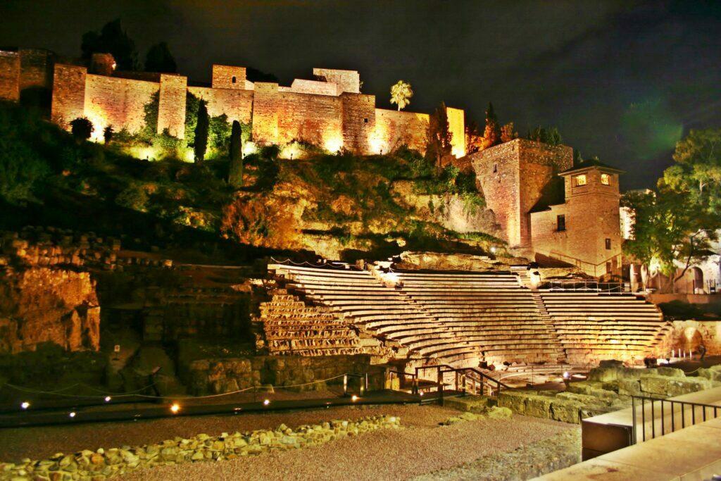 ALcazaba de Málaga de noche
